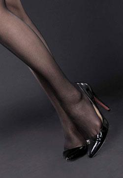 泰国mm高跟黑丝腿模晴晴黑丝皮衣网络丽人写真集