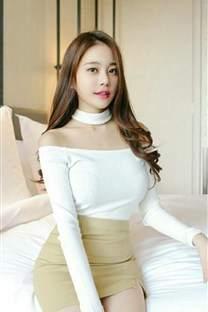 前凸后翘漂亮的韩国美女手机壁纸_高清手机壁纸图片大全