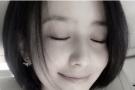 佟丽娅清新短发晒自拍与身上T恤相映 网友称:怎样都美