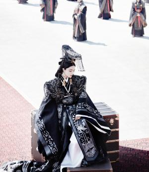 范冰冰女皇帝写真写真