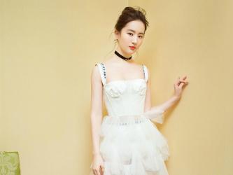 刘亦菲红衣白裙美艳写真第[6]图片