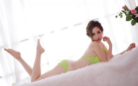 性感内衣美女写真宽屏壁纸_高清桌面壁纸图片[2]