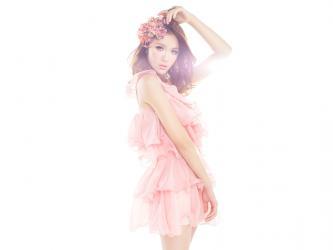 粉色系列美女写真高清桌面壁纸