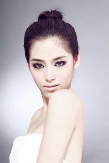 明星白色美女天使韩菲身材很好写真图片