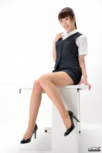 日本美女白石瑞穂办公室制服极度诱惑图片