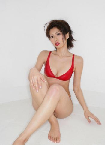 日本美女鹫巣あやの内衣系列写真图片