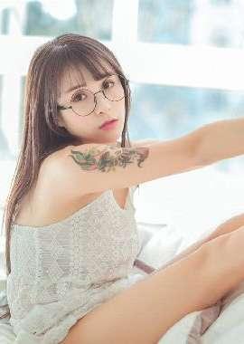 性感纹身美女诱惑花臂纹身图案大全