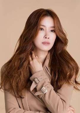韩国美女李泰兰写真电脑壁纸下载_高清桌面壁纸